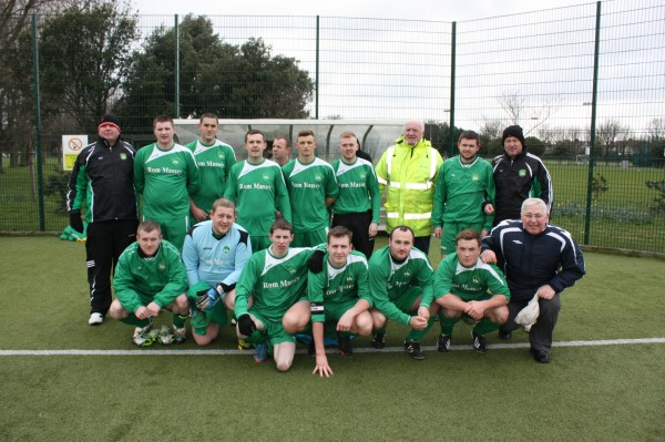 Ritchie Cummins (Coach), Daniel Burke, Aron Gaynor, Alan ( LA LA) O Conner, Paul Shannon, Martin Consil, Gary Mc Loughlin, Dieke Rivers, Scotie Uzel, Jason Flood (Manager)  Bottom left to right Geral Kavanagh, Stephen Brennen, Goergie Gannon, David Spain, Eamon Augusta, Dereck Ridgeway, John (Gidda) Murphy.