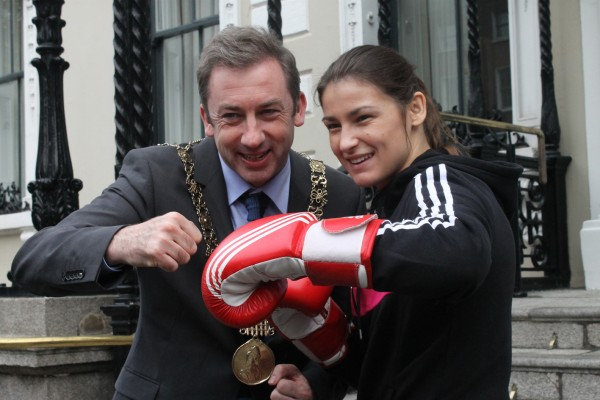 The Lord mayor of Dublin Oisin Quinn with Katie Taylor assd they announce the fight between Katie and Melissa Parks from the US as part of her Road to Rio preparations. Image: Ross Waldron.