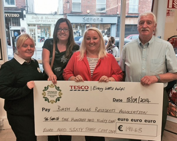 Bath Avenue and District Residents Association was awarded a Tesco community fund cheque. Left to right: Eibhlis Keating (Secretary), Arlene McCarty (treasurer), Liz Moran ( line manager ) and Joe McCann (Chairperson).