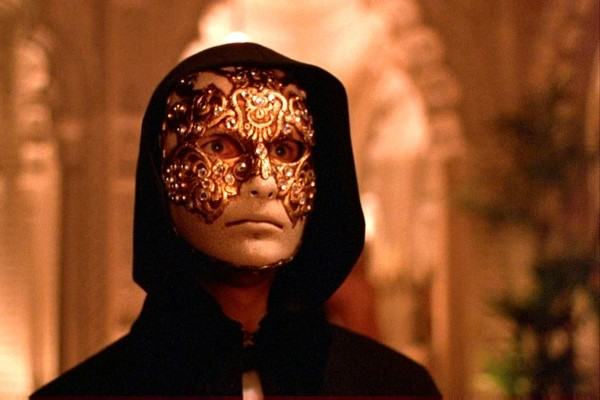 Movie of the Week: Eyes Wide Shut