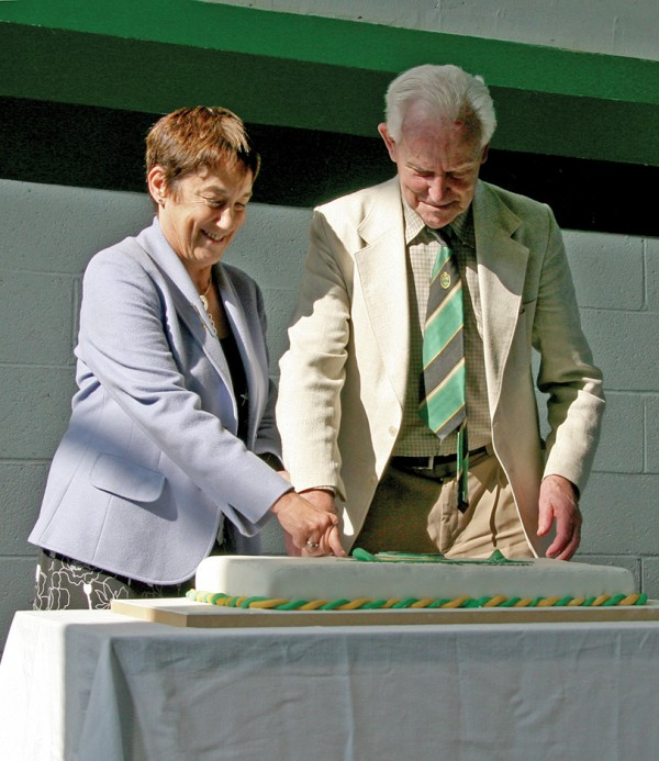 Ms Shepard and Mr Kelliher cut the cake. Photo by Maria Shields O'Kelly.