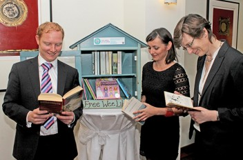 Free Wee Library Comes To Sandymount