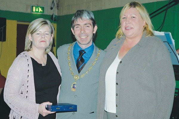 2005: Linda McMahon and Catherine Gorman of the City Housing Initiative (with Deputy Lord Mayor Andrew Montague) won the award for their project which provided modern housing for 61 families.
