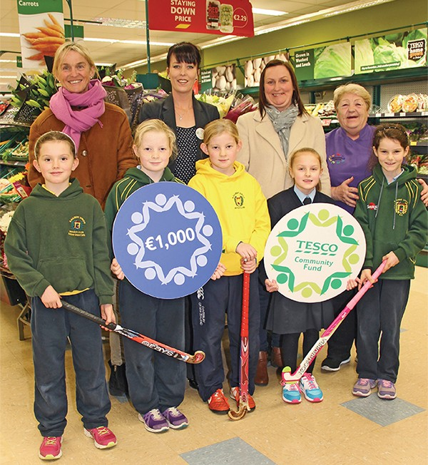 Pictured above are: Tara Barry, Store Manager, Tesco Sandymount; Margaret Shaw, Railway Union Hockey Club; Mary O'Brien, Ringsend Crèche; Paula Kinsella and Katie Kinsella, members of Dazzeletts Youth Club; Lauren Darcy, Ella Darcy, Sasha Tiernan and Anna Harold of Railway Union Hockey Club.