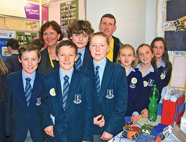 Pictured: 6th class students of John Scottus NS with teachers Margaret Dempsey and Darren Sheils.