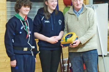 Dodder Sea Sea Scouts Present Defibrillator