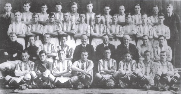 Pictured Above: John Joe Flood pictured in the 1923-24 Leeds United squad, back row seventh from left.