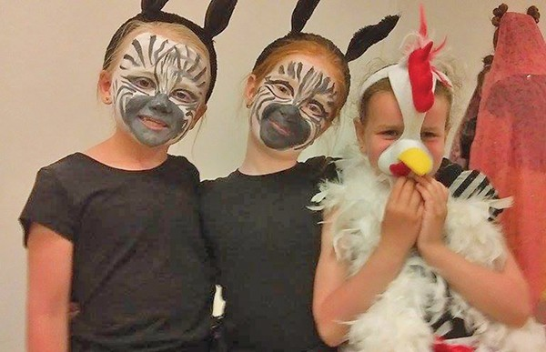 Pictured, left to right: Alex Martin, Alannah Ferrari and the chicken is Katie Gaskin. Picture courtesy Sueann Moore.