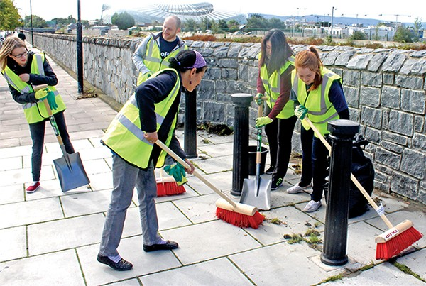 Pictured: Volunteers Petra, Eoin, Claire, Janice and Claire help with the tidy up.
