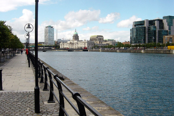 100 jobs for South Docks