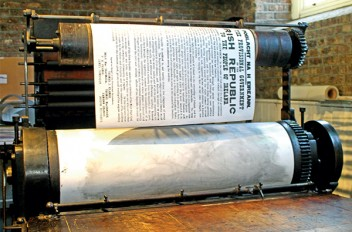 1916 Proclamation recreated at Print Museum