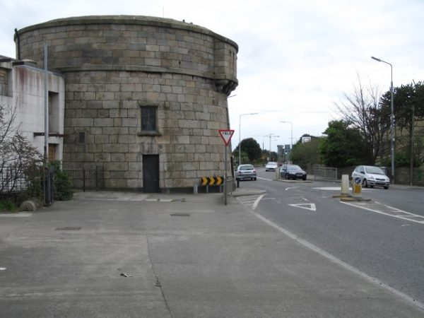 Martello_Tower_on_Sandymount_Strand_-_geograph.org.uk_-_401035