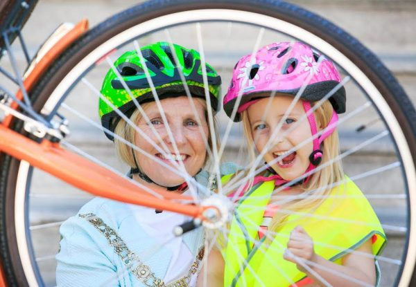 ***NO FEE PIC ***31/05/2016 Pictured at the launch of Dublin City Council's Bikeweek Safe Cycle at the Mansion hosue, Dublin were An tArdmhéara Críona Ní Dhálaigh & Kayla Blanc (5).  Dublin City Council's Bikeweek Safe Cycle is set to pedal off from Grand Canal Quay, Dublin 2 on Wednesday June 15th.  See Bikeweek Safe Cycle Facebook page for details and to register. Photo: Gareth Chaney Collins