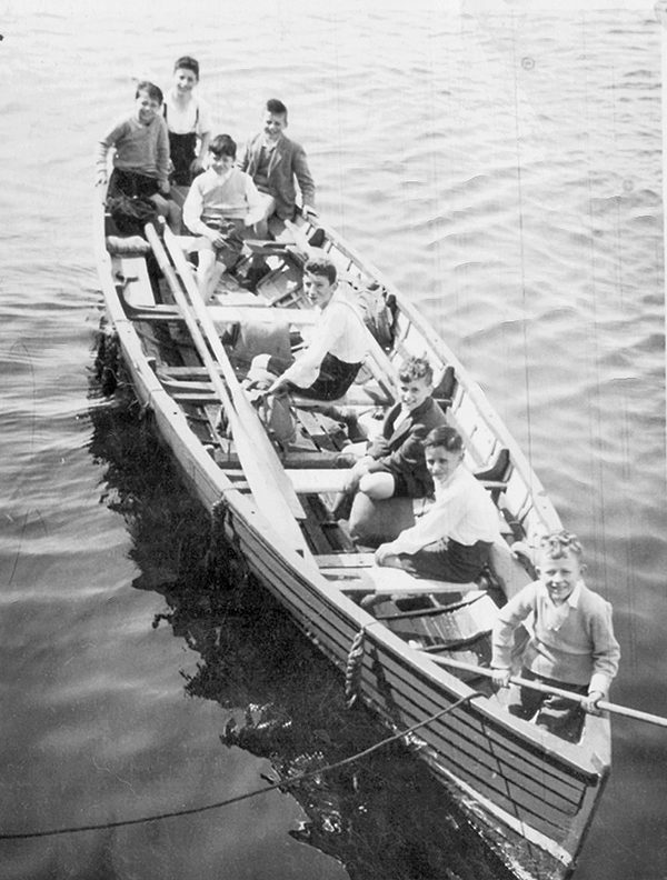 Dodder Sea scouts of the 1950's. (Richie Saunders is fourth from top).