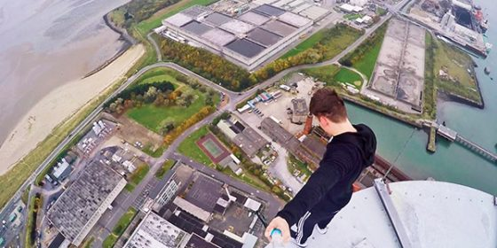 Daredevil summits Poolbeg