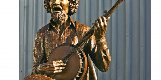 Luke Kelly to be celebrated with two statues